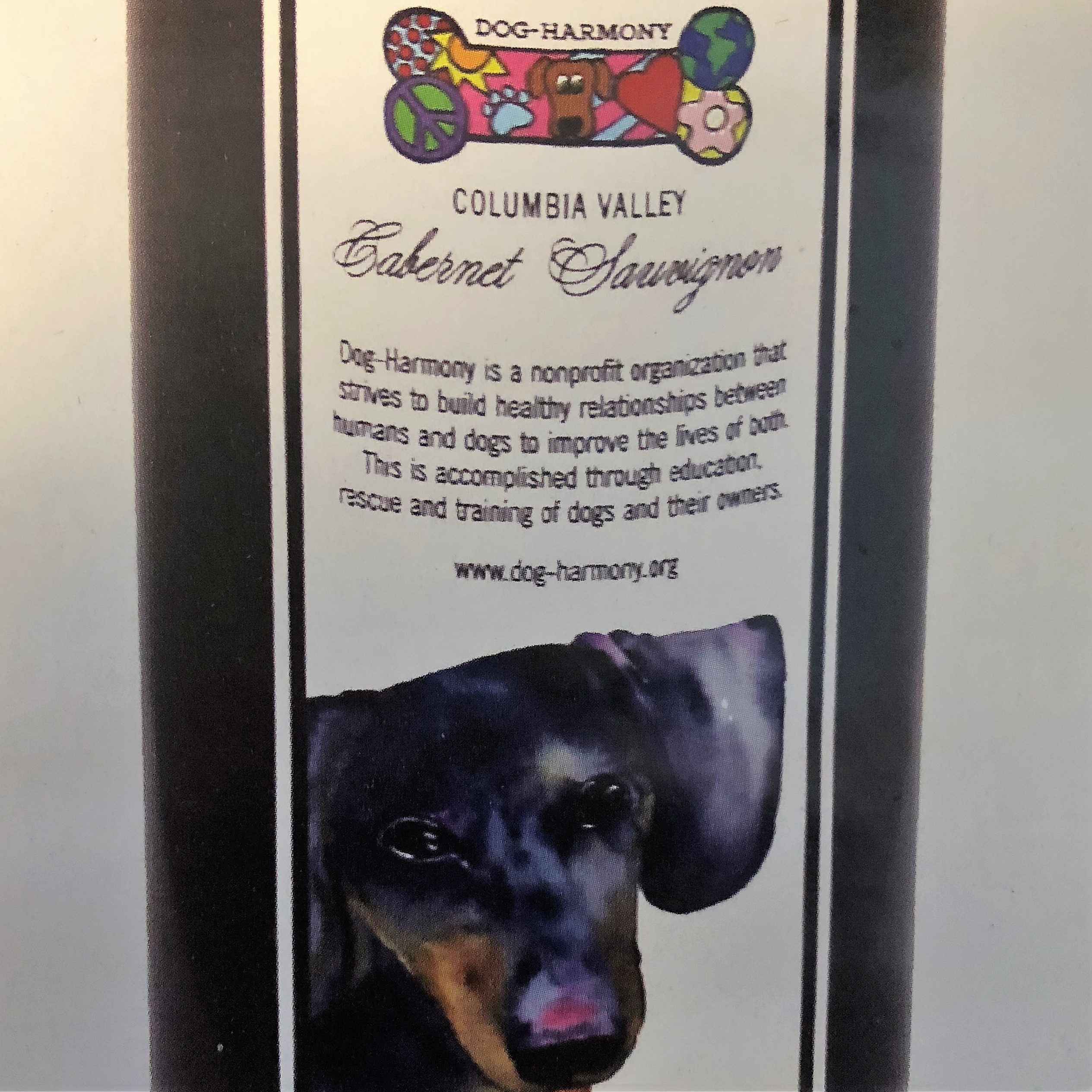 Dog-Harmony offers its own wine with donation